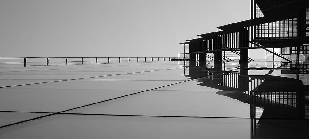 Diagonal lines composition