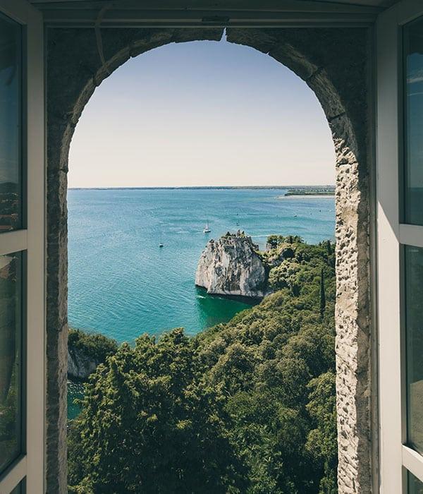 window frame image